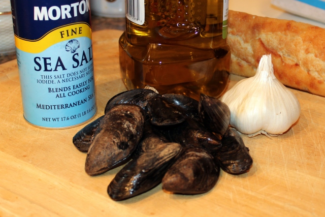 Everything you need for a great appetizer or entrée of garlicky mussels!